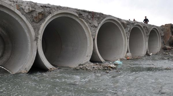 İslahiye'de Dereye Atık Su Karıştı İddiasi