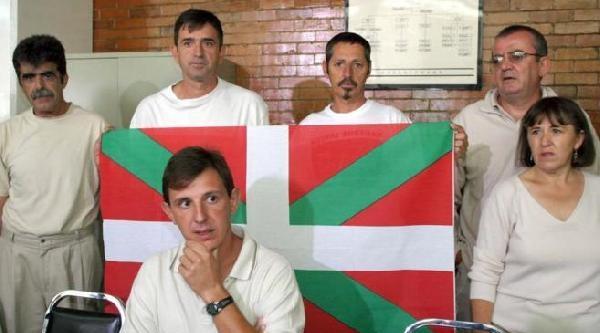 İspanya'da Eta Üyesine Noter Huzurunda Terörü Kınattılar