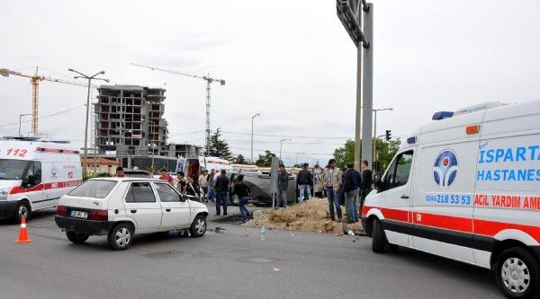 Isparta'da Trafik Kazasında 5 Yaralı