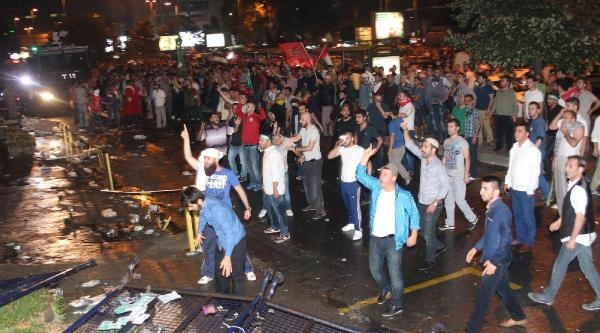 İsrail Başkonsolosluğu Önünde Polis Müdahalesi