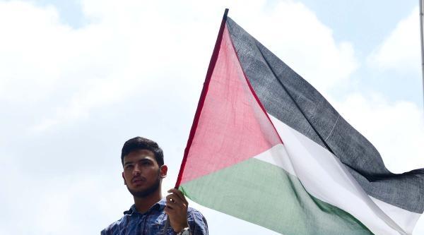İsrail Protestolarında Gıyabi Cenaze Namazı