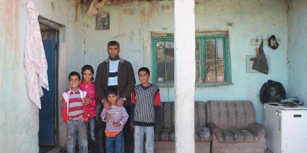 Işsiz Kocasini Ve 4 Çocuğu Birakip Gitti