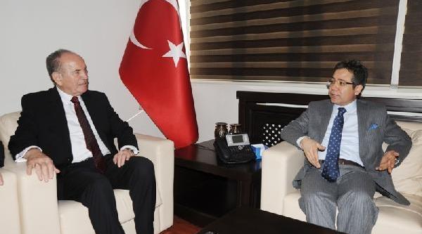 Istanbul Büyükşehir Belediye Başkani Kadir Topbaş Artvin'De