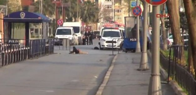 İstanbul Emniyet Müdürlüğü Önünde Çatışma Çıktı!