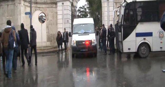 İstanbul Üniversitesi'nde kavga: 7 yaralı, 12 gözaltı...