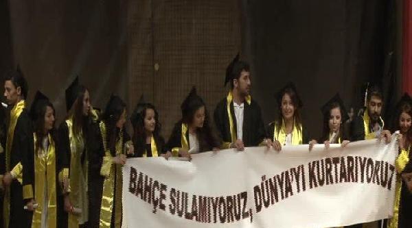 İstanbul Üniversitesi'nde Mezuniyet Coşkusu