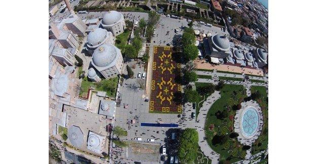 İstanbul'a dünyanın en büyüğünü yaptılar!