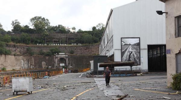 İstanbul'da Hortum Çatilari Uçurdu, Yağmur Sonrası 244 Su Baskını İhbari Geldi