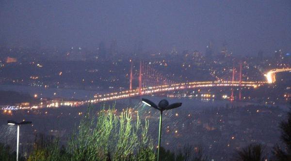 Istanbul'da Kar Etkili Oldu