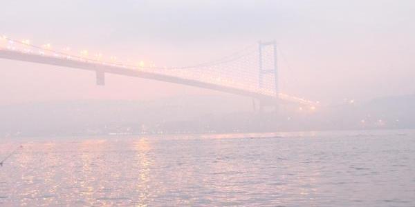 Istanbul'da Sisli Etkili Oldu