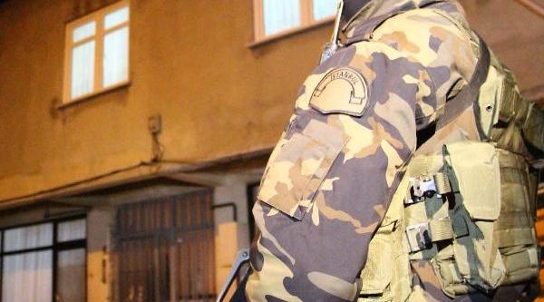 Istanbul'da Uyuşturucu Tacirlerine Şok Baskin