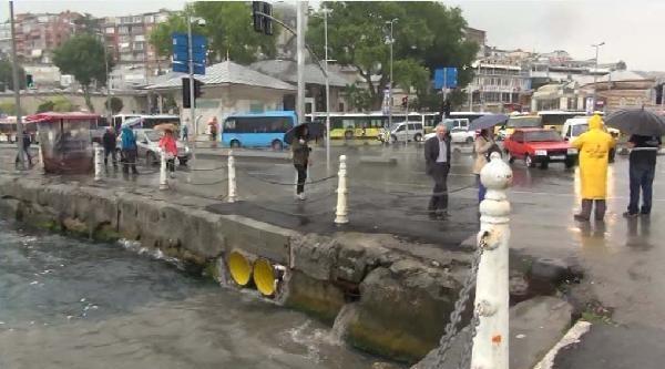 İstanbul'da Yağmur (1)