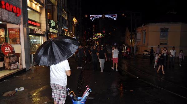 İstanbul'da Yağmur Gece Boyunca Sürdü