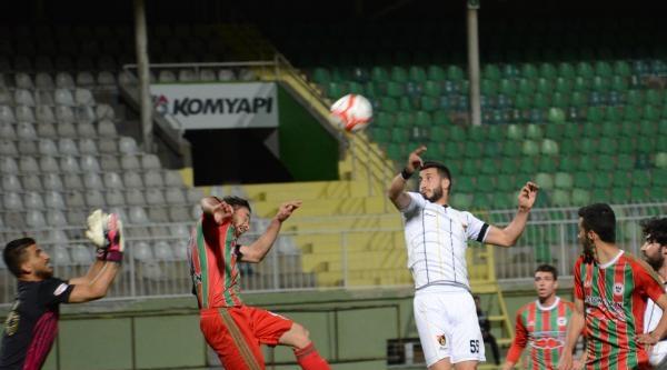 İstanbulspor - Yeni Diyarbakırspor Maçı Fotoğrafları
