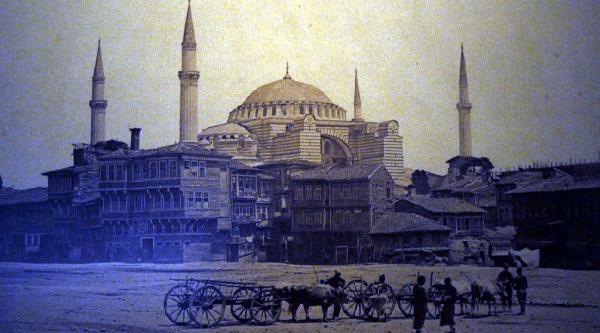 Istanbul'un En Eski Fotoğraflari Bu Sergide