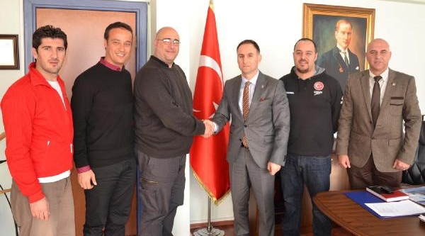 Italyan Yüzme Antrenörü Nurra Bursa'da Göreve Başliyor