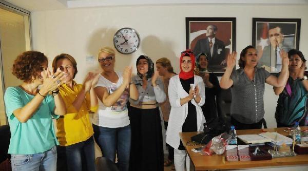İzmir Ak Parti'de Oy Oranları Düştü-ek