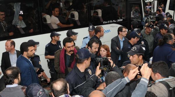 İzmir Barosu: Soma'da Avukatlara Yapılan Saldırının Hesabını Soracağız