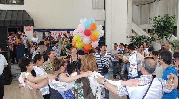 İzmir Büyükşehir'de Memur Eyleminde Arbede