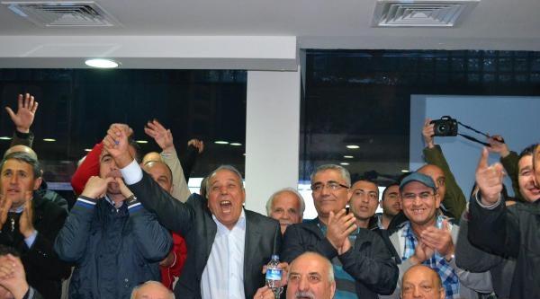 İzmir Chp'de Davullu Zurnalı Erken Kutlama