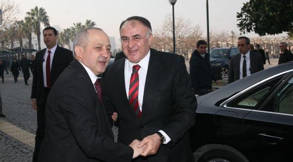 Izmir Emniyeti'Nde Görev Değişimi