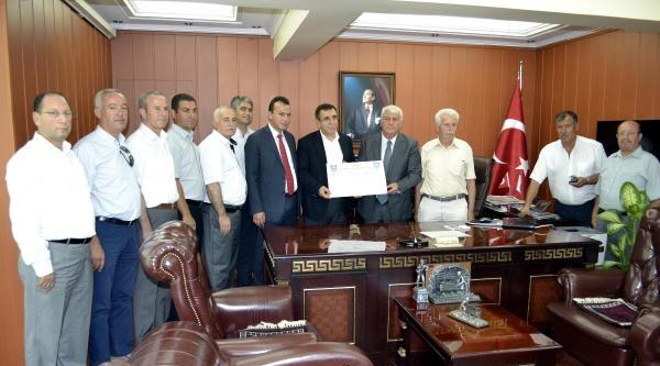 İzmir Esnafından Somalı Ailelere Bayram Yardımı
