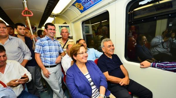 İzmir Metrosu'nun Son Etabına Törensiz Açılış
