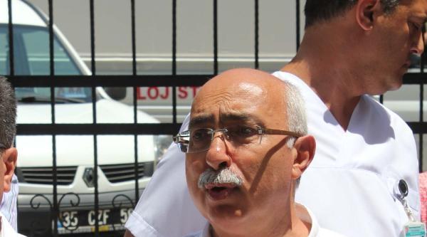 İzmir Tabip Odası'ndan Müdürlük Önünde Protesto