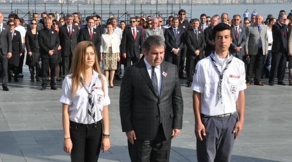 İzmir'de 19 Mayıs'a Sade Kutlama