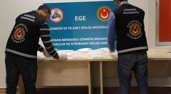 Izmir'De 7 Kilo Kokain Ele Geçirildi