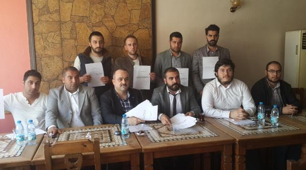 İzmir'de Ak Parti'den 'cemaat' İstifasi