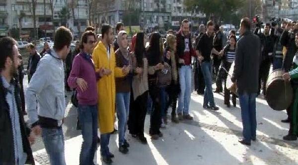 Izmir'De At Arabali Ve Faytonlu Metro Protestosu