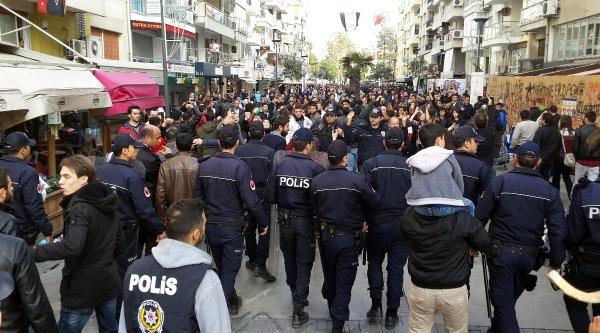 İzmir'de Başbakan'a Tepki Eylemlerine Polis Müdahalesi
