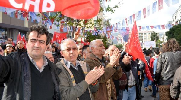 İzmir'de Başbakan'a Tepki Eylemlerine Polis Müdahalesi- Ek Fotoğraflar