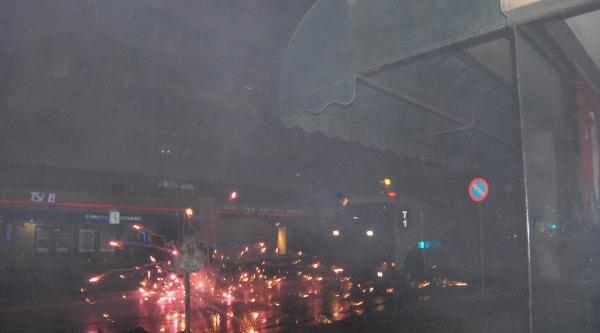 İzmir'de Berkin Elvan Eylemine Polis Müdahalesi (5)