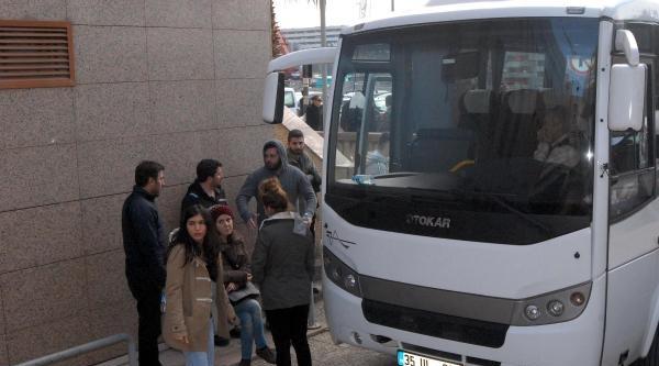 İzmir'de Berkin Elvan Gösterilerinde 102 Kişi Gözaltında
