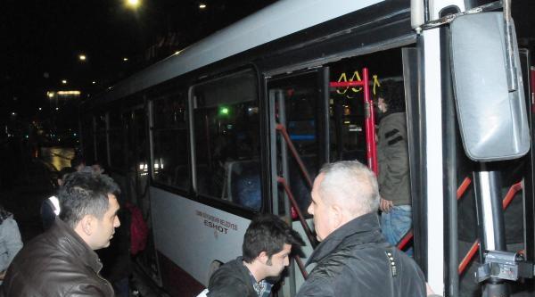 İzmir'de Berkin Protestosuna Polis Müdahalesi