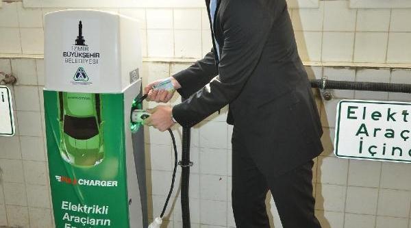 Izmir'De Elektrikli Otomobillere Ücretsiz Şarj