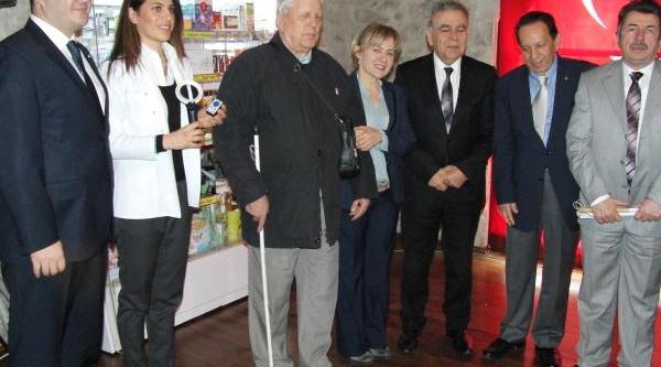 Izmir'de 'engelsiz Ilaç' Projesi Başladi