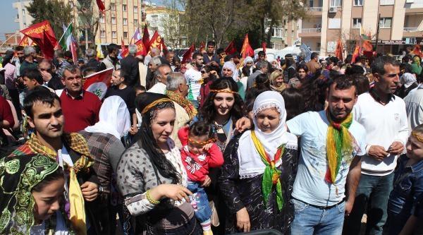 İzmir'de İki Eş Başkanlı Nevruz Kutlaması