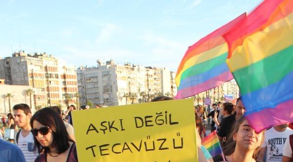 İzmir'de İkinci 'onur Yürüyüşü' Düzenlendi