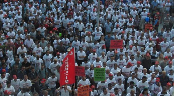 İzmir'de İşçi Ve Ailelerinden 'taşeron' Tepkisi