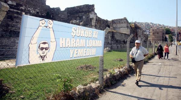 İzmir'de Polisteki Operasyona Tepki Pankartı