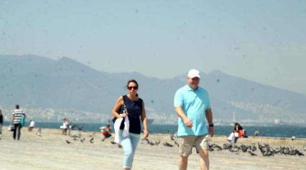 İzmir'de Sıcaklar Bunaltmaya Başladı