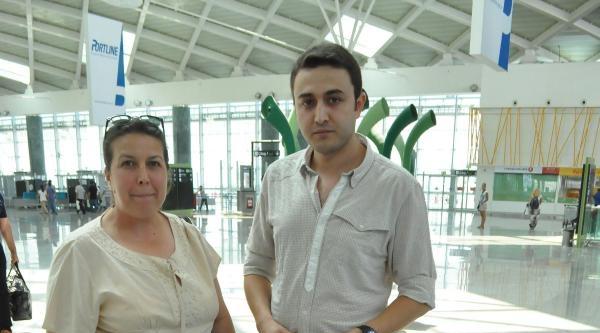 İzmir'de Uçaklar Gecikmeli Kalktı