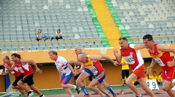 İzmir'de Yapılan 19. Avrupa Veteranlar Atletizm Şampiyonasi İkinci Gün Yarışlarıyla Devam Etti - Fotoğraflar