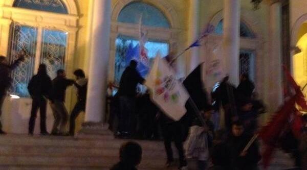 Izmir'de Yolsuzluk Eylemi