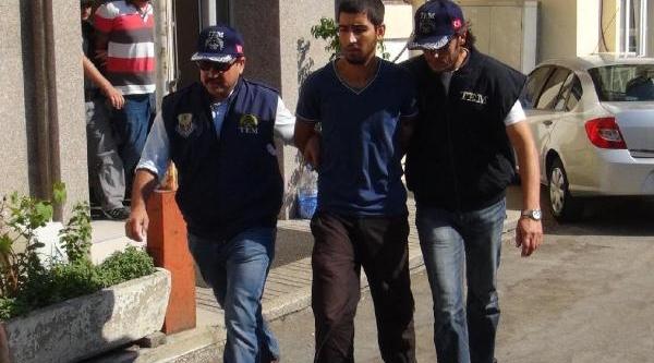 Izmir'deki 'gezi' Davasinda Iki Tahliye