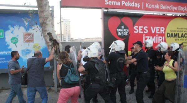 İzmir'deki Madımak Protestosuna Polis Müdahalesi (2)