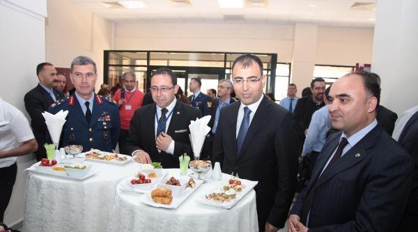 İzmir'e Uluslararası Araştırma Merkezi